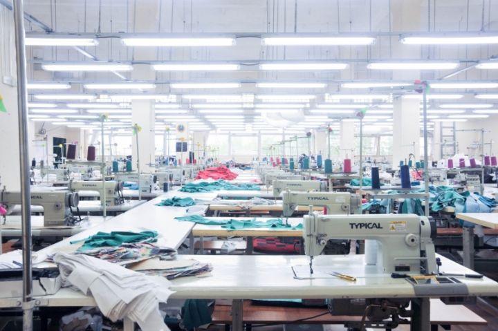 fb3fad246 Пошив верхней одежды оптом. Крупная фабрика, стоимость: 1000.00 руб ...